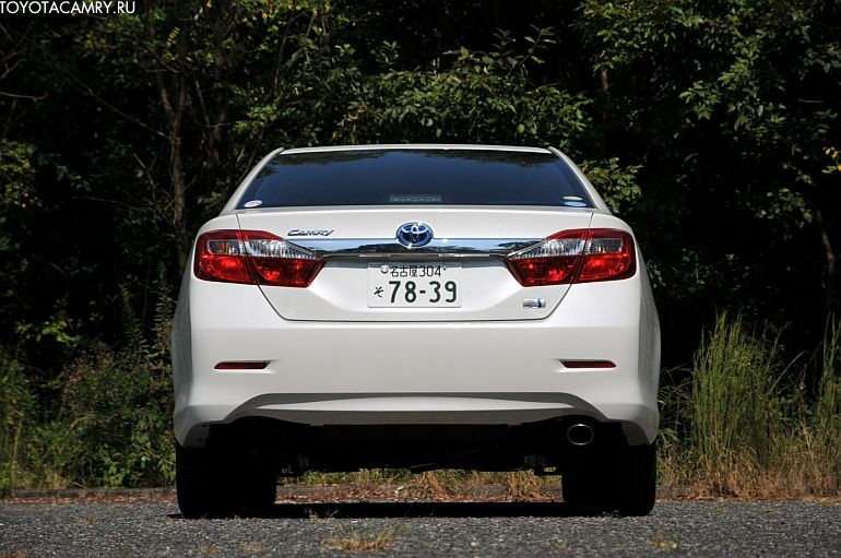 Toyota camry 25 фото