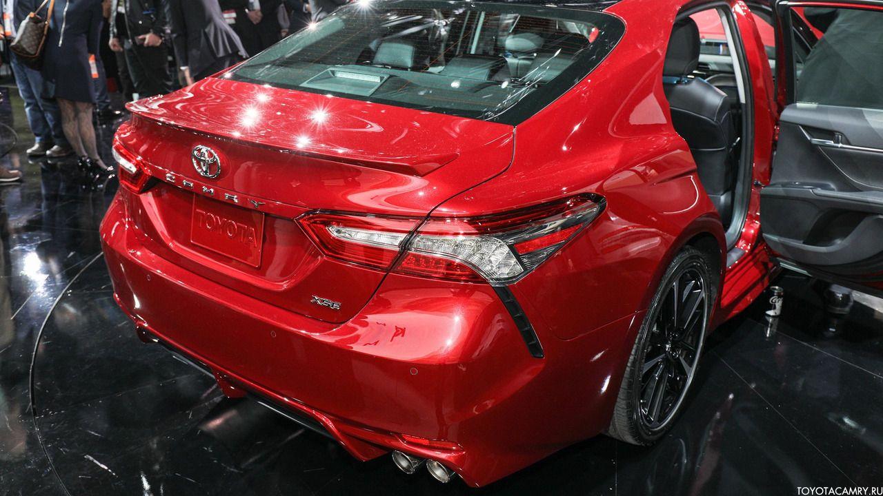задний фонарь Toyota Camry 2018