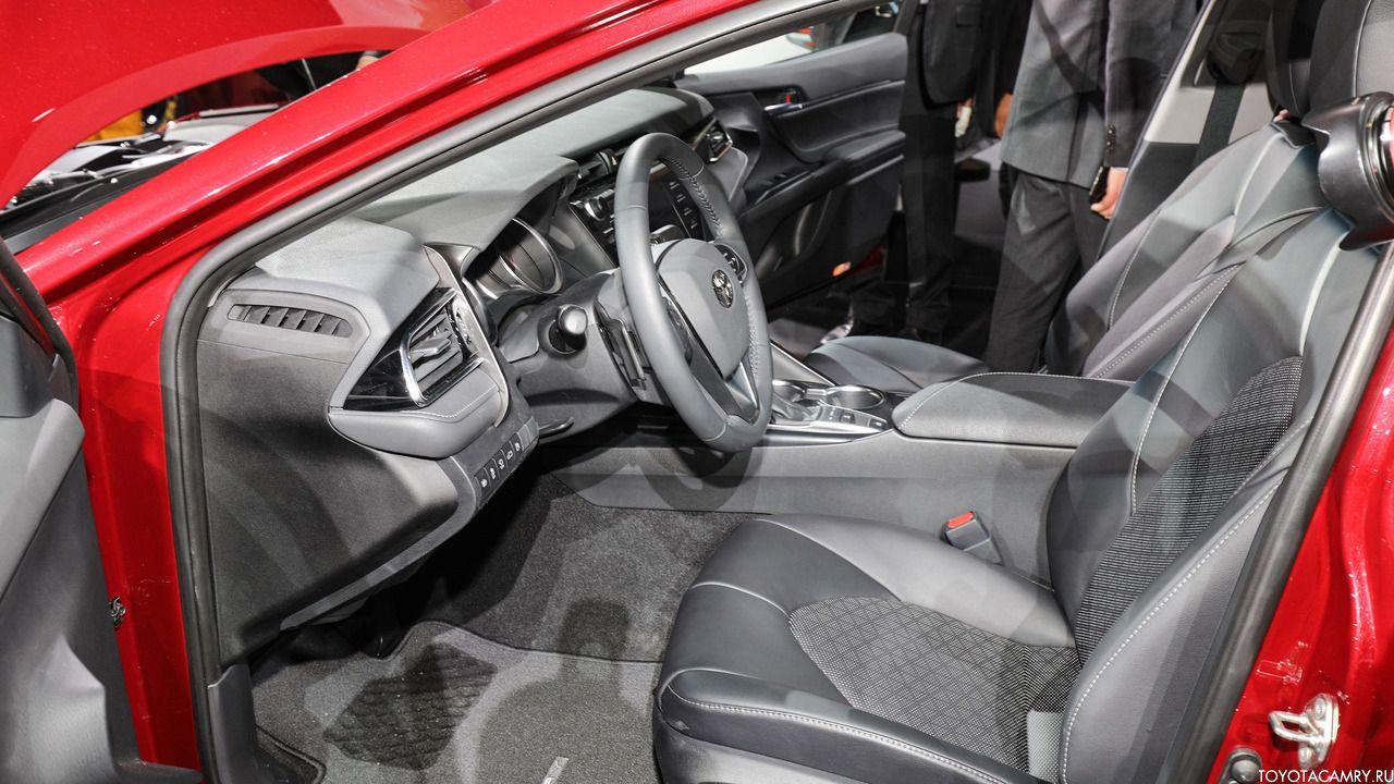 Toyota Camry 2018 водительское сиденье